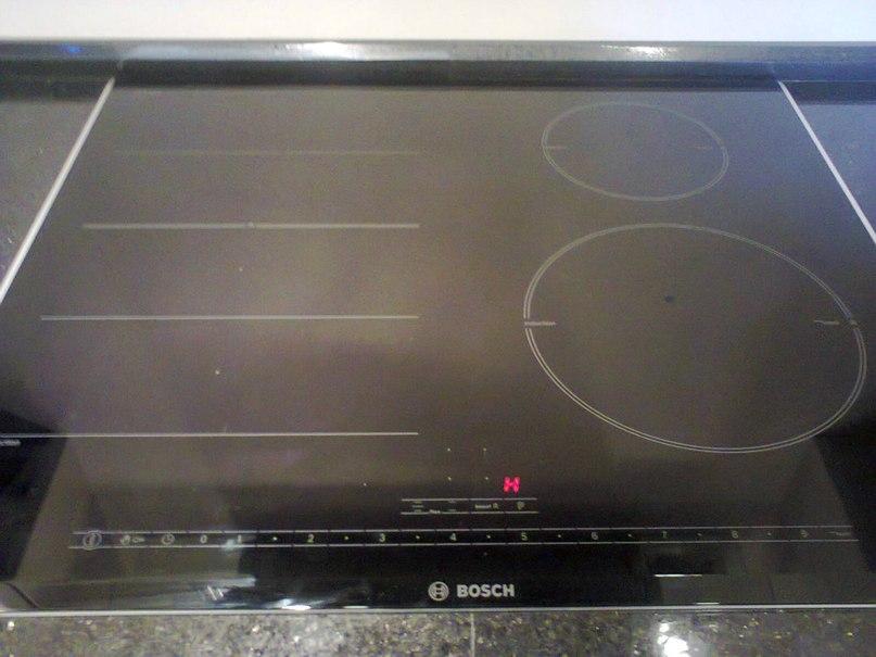 Индукционная плита бош, не видит посуду