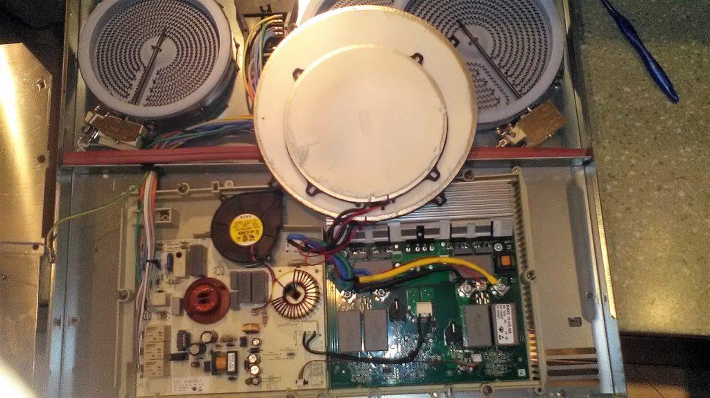 Индукционная панель AEG-Electrolux ошибка E 6