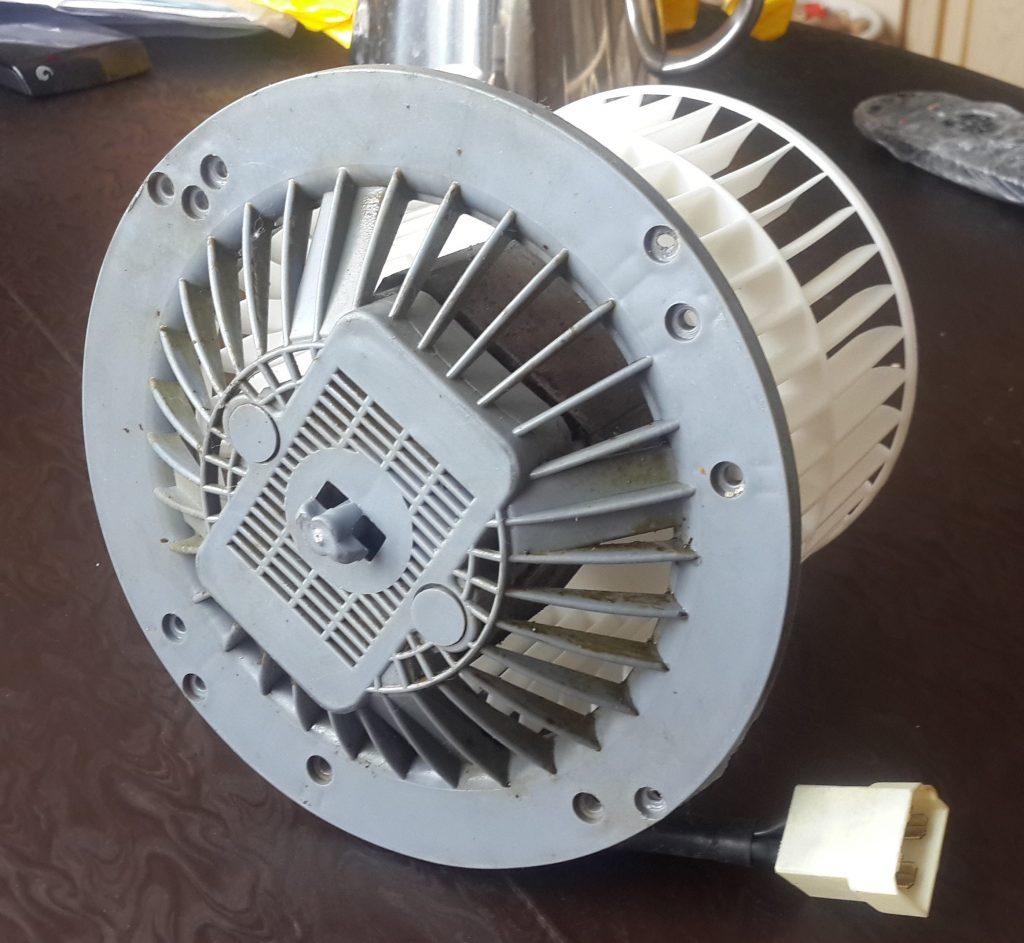 Мотор кухонной вытяжки Элика ремонт и профилактика