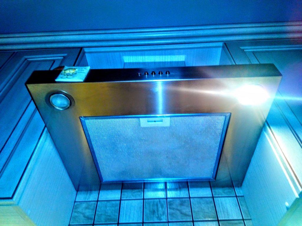 Ремонт освещения кухонной вытяжки